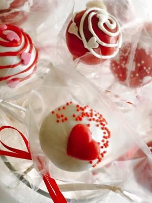 Love - Cake Pops