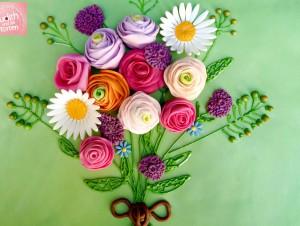 Lob, Anerkennung, Liebe, Entschuldigung, Bewunderung, Glückwünsche -  all dies und noch viel mehr kann ein Blumenpräsent ausdrücken. Jeder Blumenstrauß ist gleichzeitig eine Botschaft, die gewählten Farben und Sorten können viel aussagen. 😘 Rot steht für Liebe Gelb für Lebensfreude Blau für Freiheit Rosa für zarte Gefühle Orange für Lebenslust Früher gab es Blumen-Almanache, welche die Sprache der Blumen erklärten. Viele dieser Bedeutungen gehören noch heute zum Allgemeinwissen. Also bevor man ein blühendes Präsent zusammenstellt, sollte man sich vorher über die Bedeutung des Arrangement erkundigen.