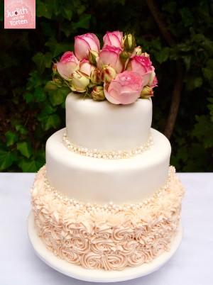 All of me loves all of you So blumig-romantisch, so majestätisch elegant - und dennoch auf den Punkt gebracht. Einfach wunderbar!