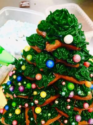 Weihnachtsbaum aus Lebkuchen